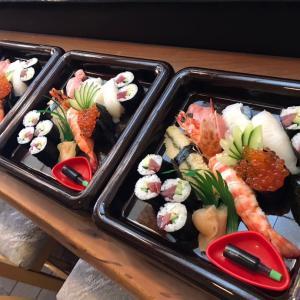 お寿司屋さん、やってます!