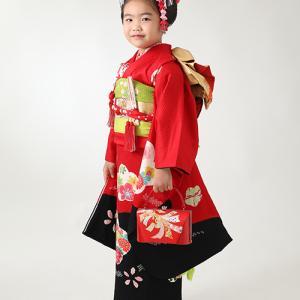 七五三赤と黒の着物でシックにご撮影 狛江市世田谷区喜多見フォトスタジオリーフ