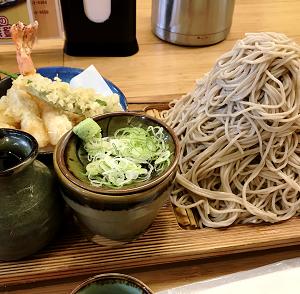 お墓参り後のつけ天の味奈登庵の富士山盛り蕎麦♪