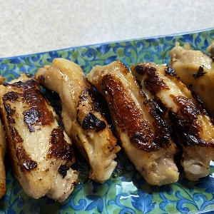 鶏手羽中の塩こうじ焼き&ゴーヤと小松菜のピリ辛炒め♪