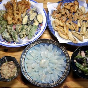 きょう釣ってきたカワハギの刺し身・肝添え、キス・ベラ・小鯛と自家栽培野菜の天ぷらほか。