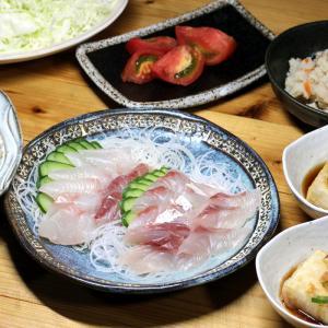 宇和海産天然カンパチの刺し身、揚げだし豆腐、おからほか。