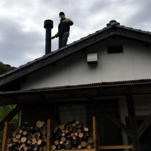 薪ストーブ「クワドラファイア・2100ミレニアムレッグ」の煙突掃除ほかメンテナンス。