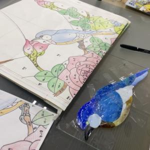 薔薇のパネル 鳥の色見
