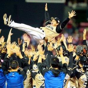 日本シリーズ第6戦~2連敗から4連勝で決めた!10年ぶり3度目の優勝!