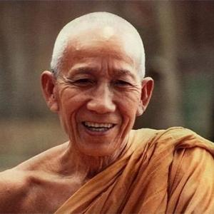 ルアンポー・ティアン師(Luang Por Teean)~在家時代に数日で「苦の消滅」に至った手動瞑想考案の天才