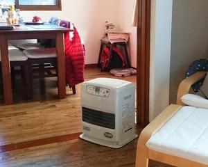 2019年・令和元年冬11月12日からファンヒーターで暖房開始です。