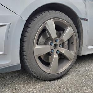 タイヤ交換は4月
