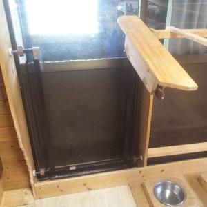 犬部屋のゲートを再設置