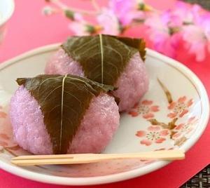 今日は桜の日・桜味の限定グルメといえば?