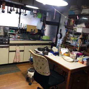12個の吊るされたお玉~実家の台所を片づける~【before→after】