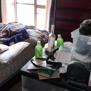 後回しになりがち…実家の使わなくなった寝室を片付ける【before→after】