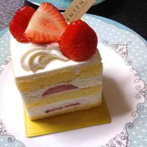 ANTÉNORのケーキと朝ごパンと女子力?♪