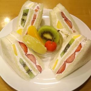 フルーツパーラーキムラでフルーツサンドイッチ♪