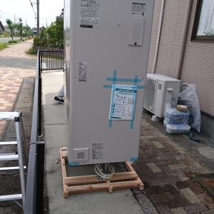 電気温水器2台工事させていただきました。