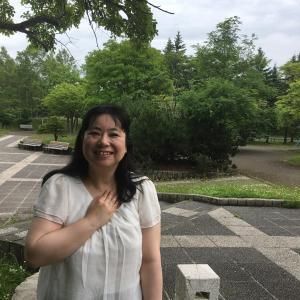 北海道の住宅街とお花と