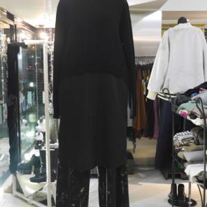 シャツドッキング長袖セーター×柄ワイドパンツ