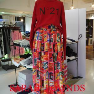 N°21トレーナー×缶POP柄スカート