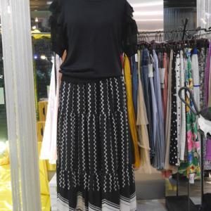 シフォン袖半袖セーター×柄切り替えスカート