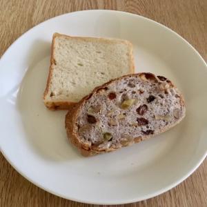 AOSANのパンとドミニクドゥーセのカヌレ