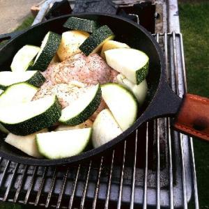 炭火で料理を、ロッジコンボクッカー