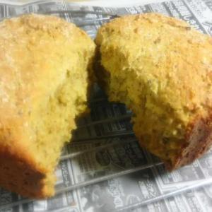 季節の野菜と果物(和歌山温州ミカンと北海道にんじん)で天然添加物効果のパンを作ってみました