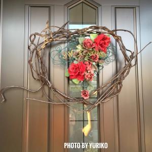 玄関ドアの枝リース+ウェルカムプレートのカラーリメイクを考える!