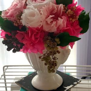 夕方6時のプリザーブドフラワーさんたちはふっくらと華やかに花開いて!