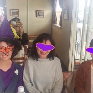 今年はハロウィンパーティーなさそだから、魔女の格好で自粛ハロウィンコスプレでもしてみるか。