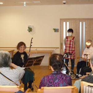 プロヴァンス風の「ひまり館」さんで二胡演奏!ますいの初ステージだよん‼︎