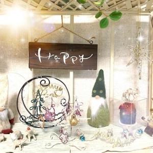 ワイヤークラフトでクリスマスバージョンの棚、もっと魅力的な置き方を考え中!