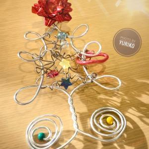 クリスマスツリーのワークショップ作品たち&寒さに耐えかねてモコモコになったグランマ!