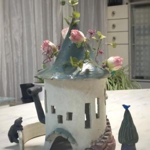とんがりお屋根にお花が咲いたよ〜〜♪