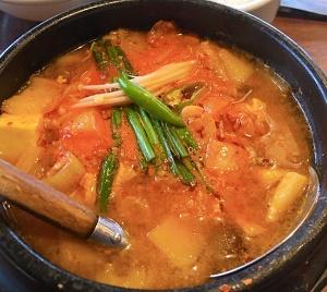 ランチでチゲ鍋スープを検索して出てきたお店!まだん  #韓国料理 #チゲ鍋 #キムチチゲ #サムギョプサル