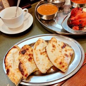 大好きなインド料理屋さんでチーズナンとバターチキンカレー♡