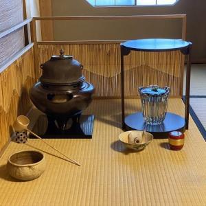 暑さを忘れるお茶会ごっこは・・・