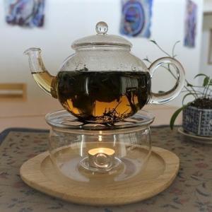 野草(スギナ・ドクダミ・イカリソウ)のお茶を手作りしています