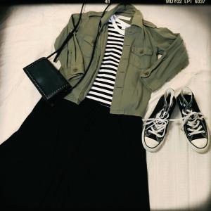 ミリタリージャケットに合わせる黒いフレアスカートを探して・・・