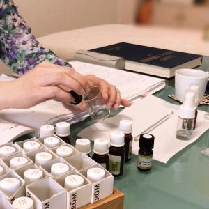 香水を創る・楽しむ・使う贅沢アロマ
