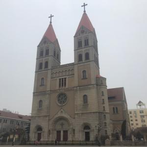 青島 聖ミカエル大聖堂(圣弥爱尔大教堂)