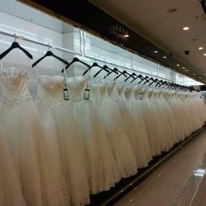2020年9月21日 中国広州メダルティー、ウェディングドレス市場、広州ドレス卸売り市場