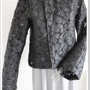 紙??のような生地でジャケットっぽいのを作りました
