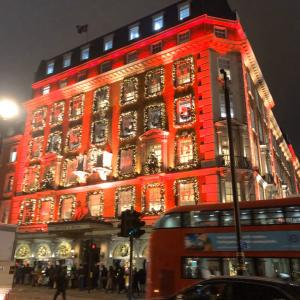 ロンドンからクリスマスの写真です!