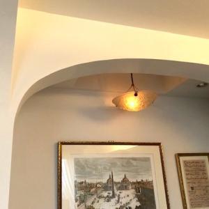 ピアノコーナーの天井と照明