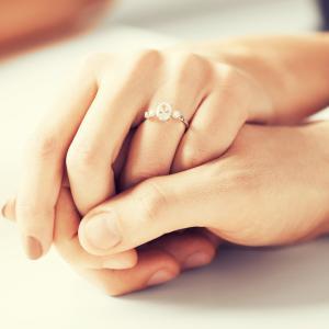 おつきあい3ヶ月で「これから貯金をして婚約指輪を買うことに決めたから!」と言われました。