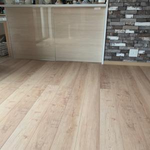 床の貼り替え、完了!