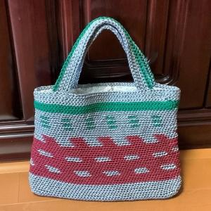 母の手編みバッグ & ももちゃんの誕生日
