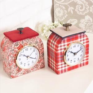 香水瓶型時計