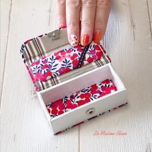 リップケース・ブック型の箱・リボントレイ