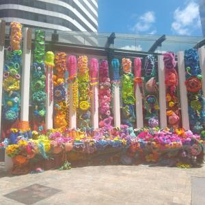 街中のかわいい編み物